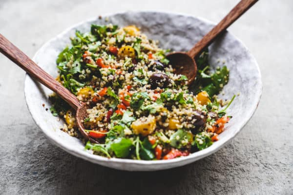 Start your year off right with this super easy meal prep recipe. It's a plant based quinoa salad that is sure to set you up for success.