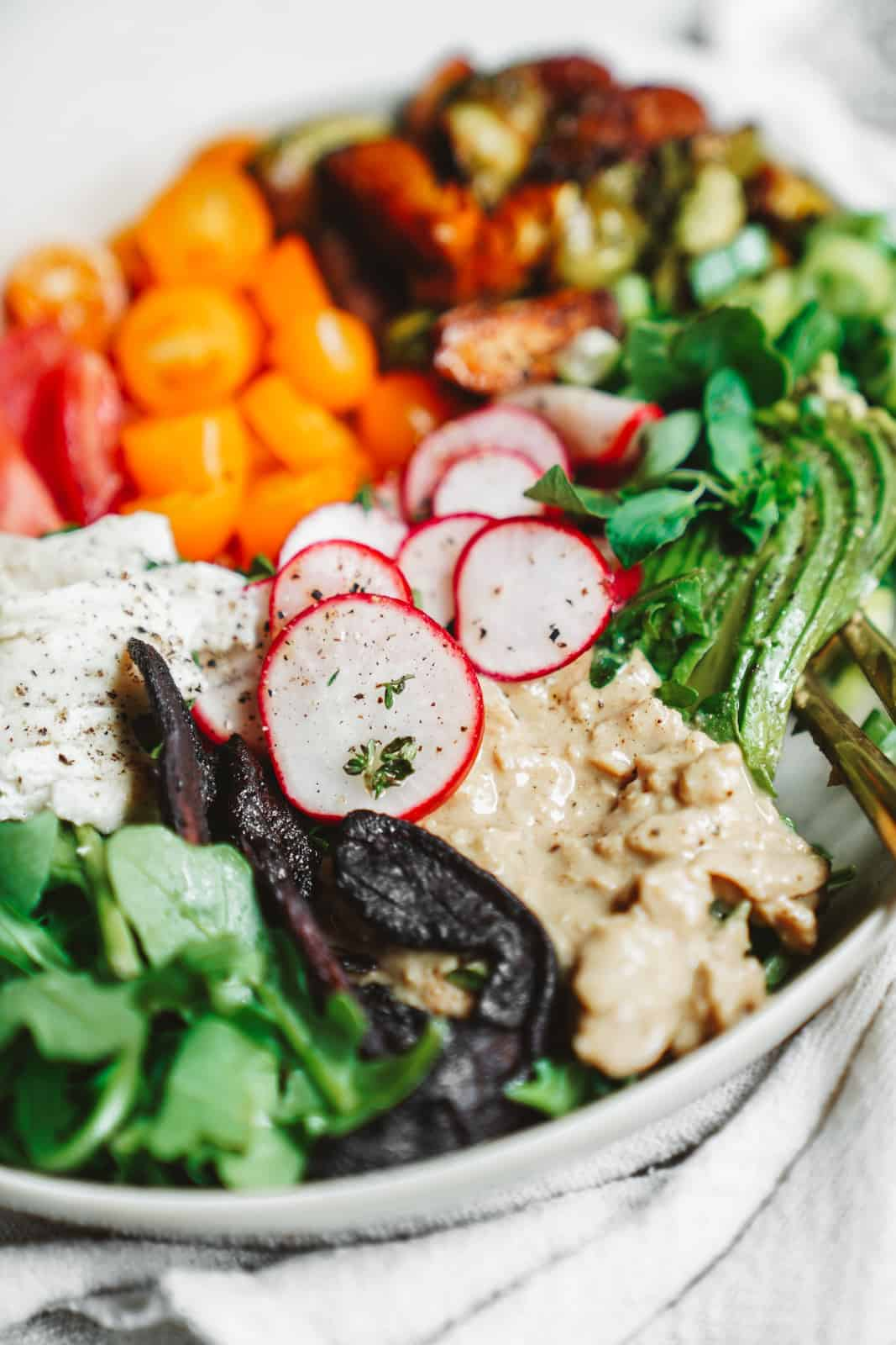 This easy vegan Cobb salad is loaded with nutritious goodness, and vegan tuna.