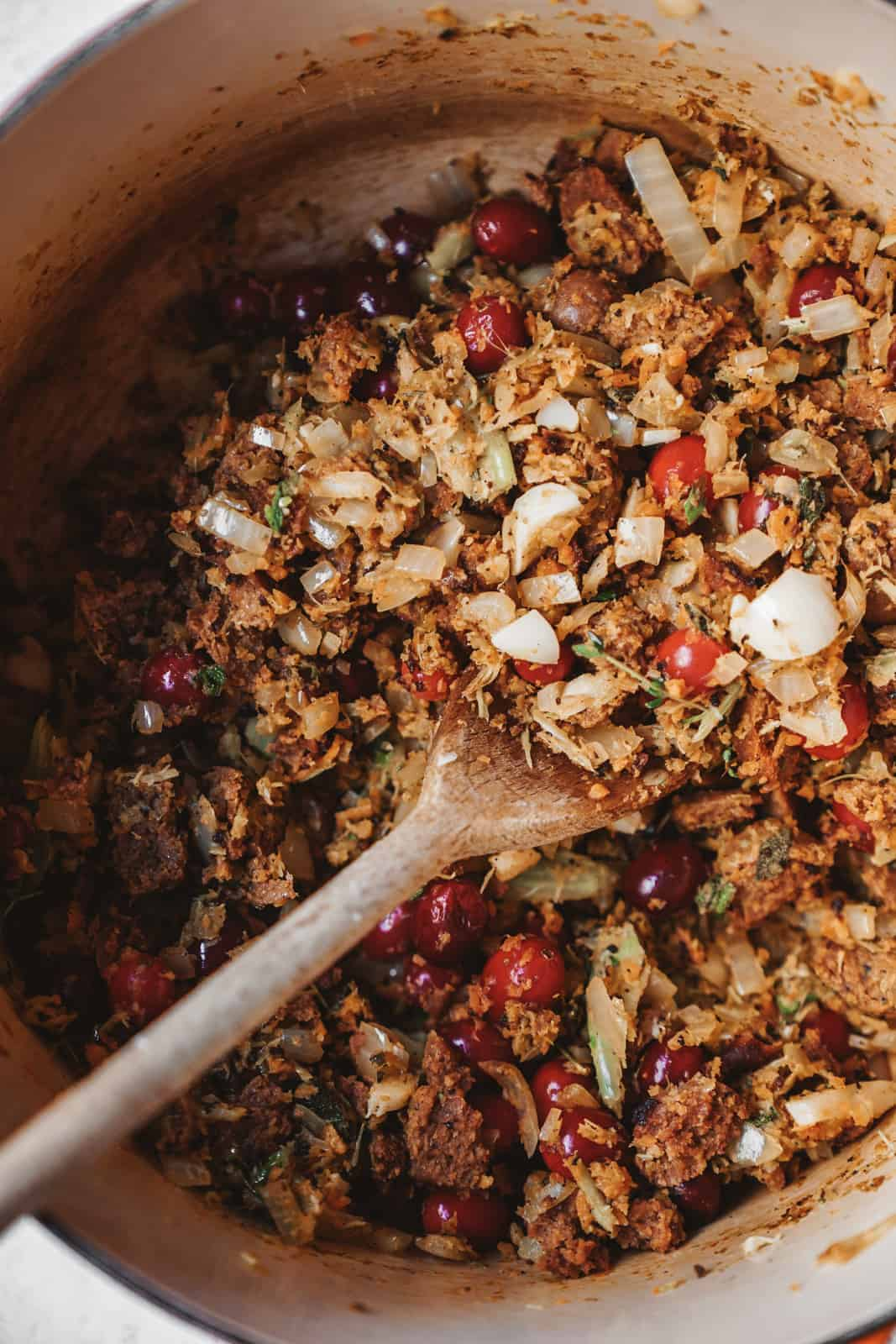 Vegan stuffing with cranberries