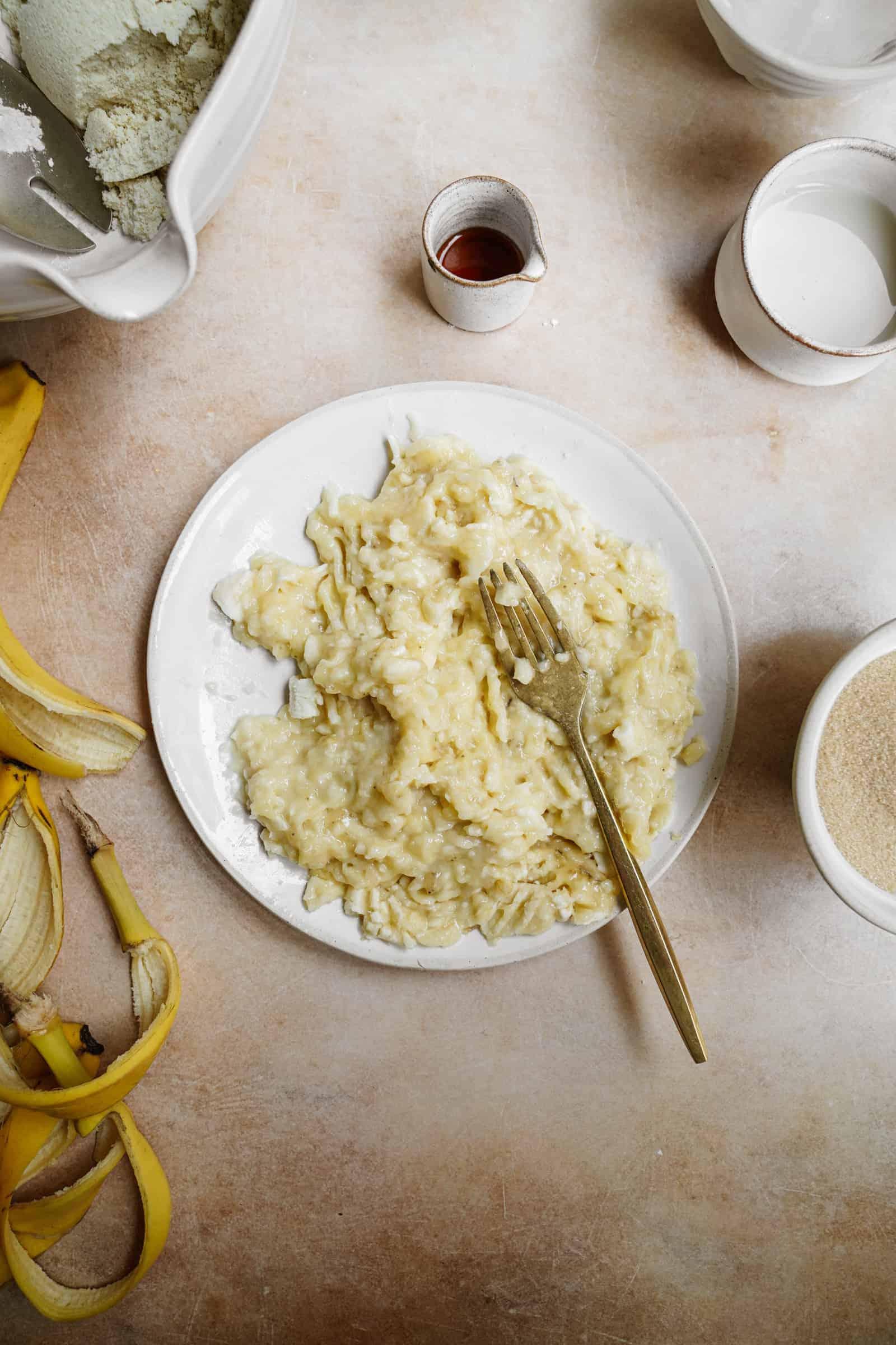 Mashed bananas for vegan muffins