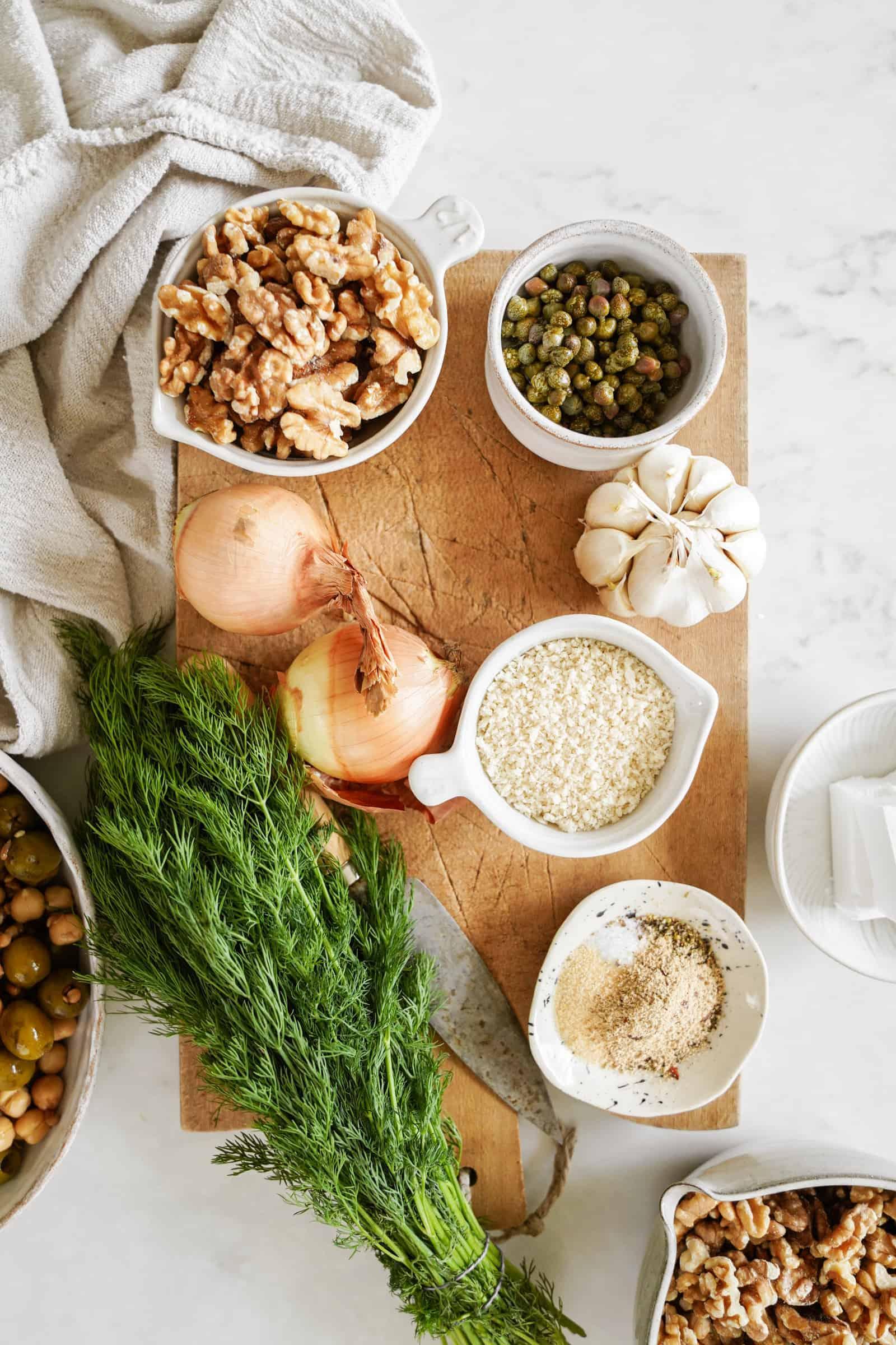 Ingredients for walnut meatballs
