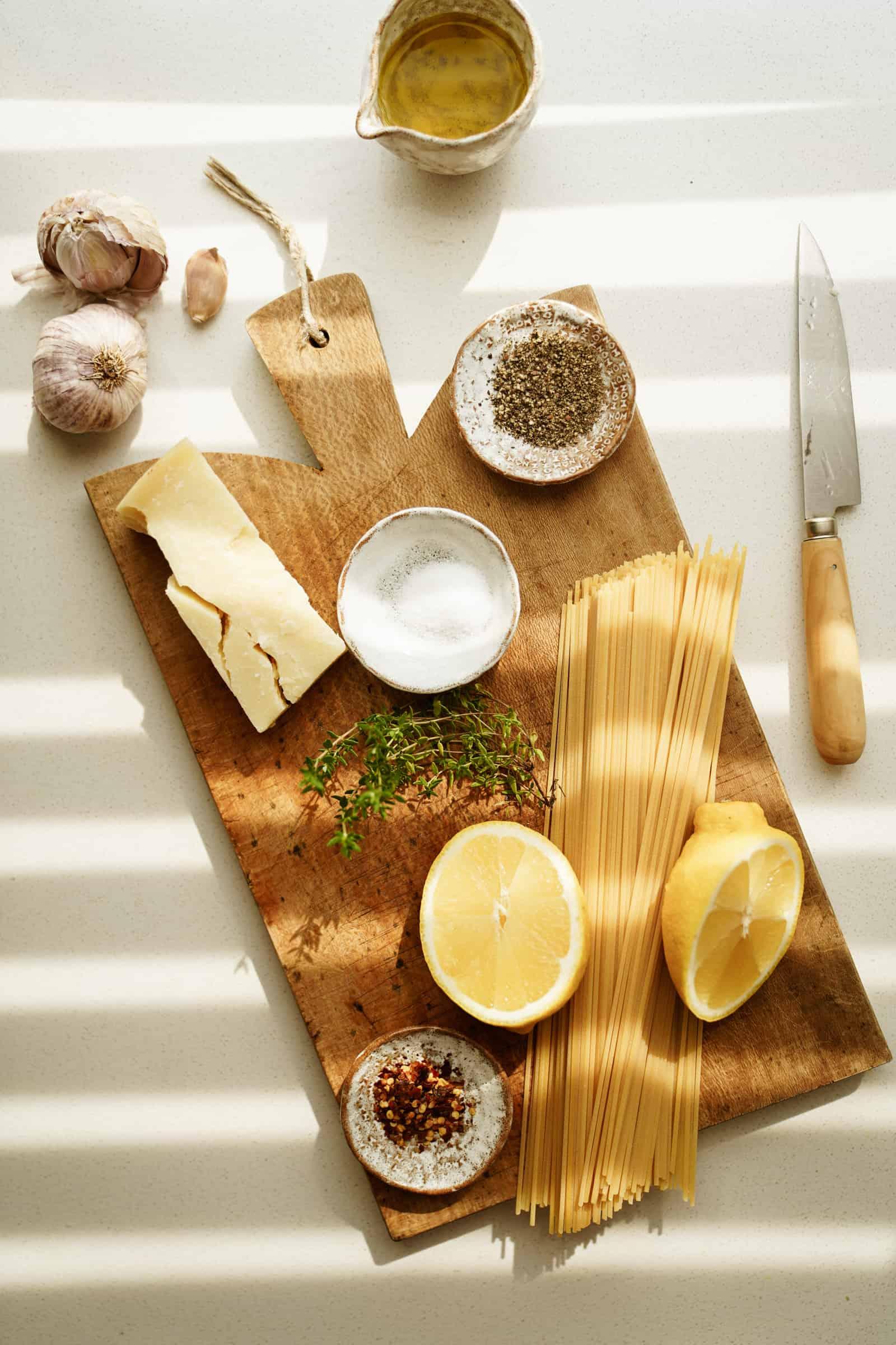 Ingredients for aglio e olio