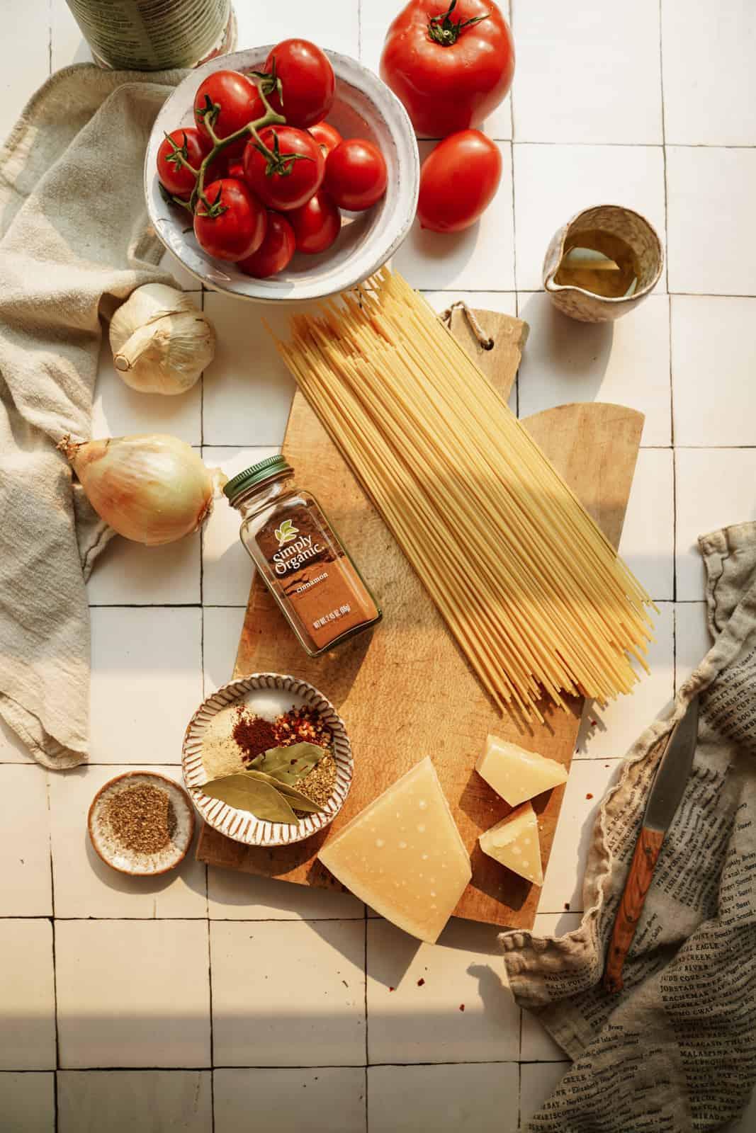 Ingredients for Greek pasta sauce